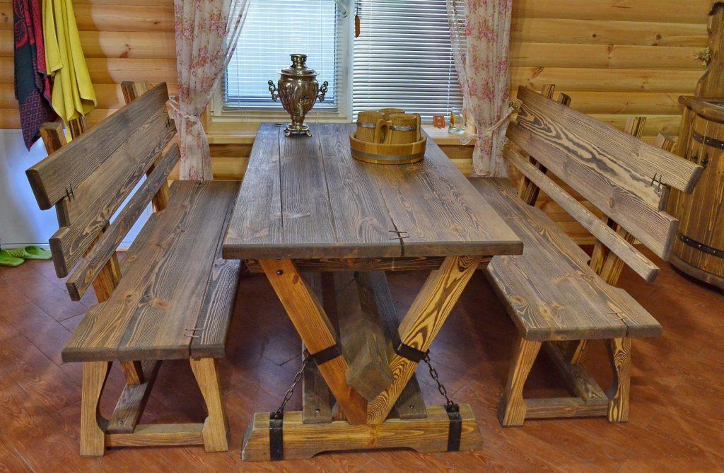 Стол и лавочки из дерева