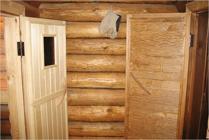 Двери изготовленные из дерева